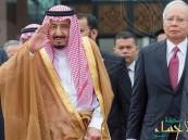 صحيفة أمريكية: لماذا تستمر زيارة الملك سلمان لآسيا شهراً كاملاً ؟!