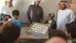 """في لفتة جميلة.. """"المقداد بن عمرو"""" الابتدائية تحتفي بشفاء أحد طلابها"""