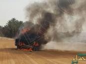 """بالصور… سيارة تتحول لكتلة من اللهب في """"عمران"""" الأحساء !!"""