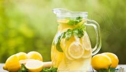ماذا يحدث إذا شربت الماء مع قطع ليمون كل يوم؟