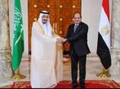 خادم الحرمين يعقد جلسة مباحثات رسمية مع الرئيس المصري