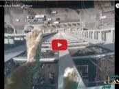 شاهد.. مَسبَح مُرعب على ارتفاع 500 قدم في الهواء!!
