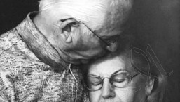 عاشا 69 عاماً وتوفيا معاً