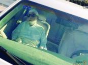 الشيخ أبو بكر الجزائري يغادر مستشفى الحرس الوطني بالمدينة بعد تحسن حالته