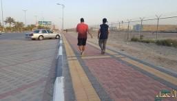 """بالصور.. المشي في """"نهار رمضان"""": عادة صحية يغتنمها """"الصائمون"""" للتخلص من """"الدهون"""""""