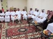 أهالي قرية المنيزلة يقيمون حفل معايدة بمناسبة عيد الفطر المبارك