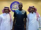 النصر يمدد عقد مدافعه عبدالله مادو