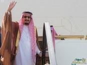 بالصور… خادم الحرمين يغادر جدة متوجهاً إلى خارج المملكة في إجازة خاصة