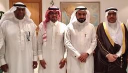 """وكيل محافظ الأحساء """"الجعفري"""" يتسلم رسمياً مبادرة #مليون_شجره_في_الاحساء"""
