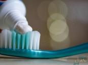 """معجون أسنان يتسبب في إصابة رجل بـ""""الشلل"""" !!"""