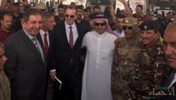 السبهان يزور منفذ عرعر و يغرد: عراق الأخوة والمحبة