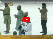 بالفيديو.. الأمطار تتساقط على مكة وألسنة المعتمرين تلهج بالدعاء