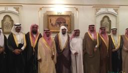 """بالصور… سمو الأمير """"عبدالعزيز بن محمد"""" وعدد من وجهاء الأحساء في زيارة للشيخ """"طالب بن شريم"""""""