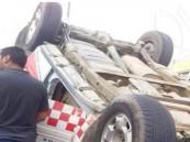 انقلبت سيارته وجاءت الإسعاف لإنقاذه.. فانقلب معها مرة أخرى !