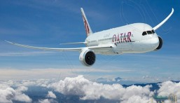 مخمور يتحرش بامرأة أمام طفليها على متن طائرة قطرية !!