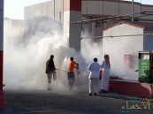 """بالصور.. """"حافلة"""" كادت أن تشعل النيران في """"محطة وقود"""" في عيون الأحساء"""