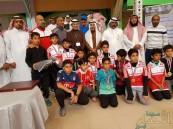 """بالصور.. ابتدائية """"الحليلة"""" تكرم فرق مدارس محافظة الأحساء"""