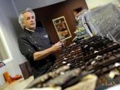 بالصور… إمبراطور الشوكولاتة في فرنسا يصل الرياض قريباً !!