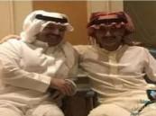 بالصور .. هذا أول من قابله #الوليد_بن_طلال بعد خروجه من الريتز!!
