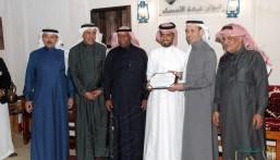 """محافظ الأحساء يشكر المشاركين في """"ألوان السعودية"""""""
