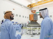 بأيادٍ إماراتية.. محمد بن راشد يدشن أول قمر صناعي عربي