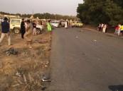 بالصور.. سيارة تدهس فريق دراجات بأبوعريش وتتسبب في وفاة وإصابة 10