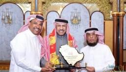 المسؤولية الاجتماعية بنادي القادسية تكرم عبدالله جمعة
