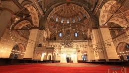 أكاديمي تركي: الجوامع استخدمت كبيوت دعارة في عهد أتاتورك!