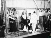 بالصور… تعرّف كيف غير الرقم 7 حياة السعوديين قبل 80 عاما ؟!