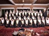 """بـ""""100″صورة… جماعي العمران بـ""""إحترافية"""" يُبهر الحضور بزفاف 88شاب وشابة"""