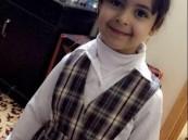 """كانت تأمل دخول أولى اختباراتها المدرسة .. موت الطفلة """"روان"""" ضحية حافلة المدرسة !!"""