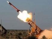 """""""الدفاع الجوي"""" يعترض صاروخاً باليستياً أطلقته الميليشيا الحوثية باتجاه المملكة"""