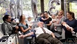 رجل أسترالي ينقذ حياة أكثر من مليوني طفل بدم نادر!!
