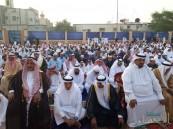 بالصور .. أهالي مدينة العيون يؤدون صلاة عيد الفطر المبارك