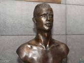 """بعد """"هاتريك"""" رونالدو.. تمثال جديد للنجم البرتغالي في مطاره"""