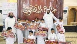 الدورة القرآنية ١٥ بجامع المقهوي تحتفي بـ١٩٧ طالبًا بإنجاز ٧٠٠٠ وجه
