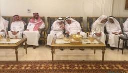"""بالصور… الشيخ """"عبدالعزيز الموسى"""" يستقبل عدد من كبار أسرة """"الجبر"""" بمناسبة عيد الفطر"""