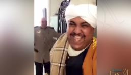 """بالفيديو.. سعودي يتحول لـ""""عمدة صعيدي"""" في شوارع الإسكندرية !"""