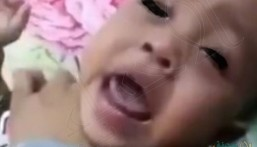 """والد """"التوأم المعنف"""" بجدة يكشف تفاصيل جديدة: الأم ليست مدمنة !!"""