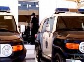 شرطة الرياض تطيح بوكر لتزييف العملات .. وتلقي القبض على 6 عناصر بينهم مواطن