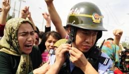 """الصين تحتجز مليوني مسلم من """"الإيغور"""" في معسكرات سرية !!"""