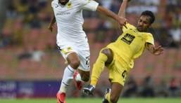 بعشرة لاعبين ..  الاتحاد يتعادل مع الوصل في البطولة العربية