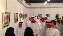 """بالصور .. الغوينم يفتتح معرض """"إنطباعيات"""" بثقافة وفنون الأحساء"""