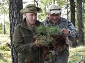 """شاهد.. """"بوتين"""" في رحلة بغابات """"سيبيريا"""" مع كبار المسؤولين الأمنيين"""