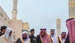 بالصور.. خادم الحرمين يزور المسجد النبوي و يصلي في الروضة الشريفة