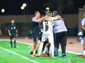 بالصور .. الشباب يفوز على الفيحاء بثلاثة أهداف