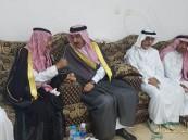 """الأمير """"عبدالعزيز بن محمد"""" يُعزي """"القحطاني"""" في وفاة """"بوقري"""""""