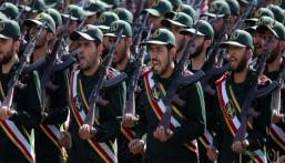 20 قتيلًا في هجوم انتحاري على حافلة للحرس الثوري بإيران