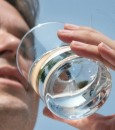 ٦ فوائد صحية مذهلة لشرب الماء الدافئ صباحًا