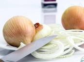 رائحة البصل.. تقي من سرطان الأمعاء